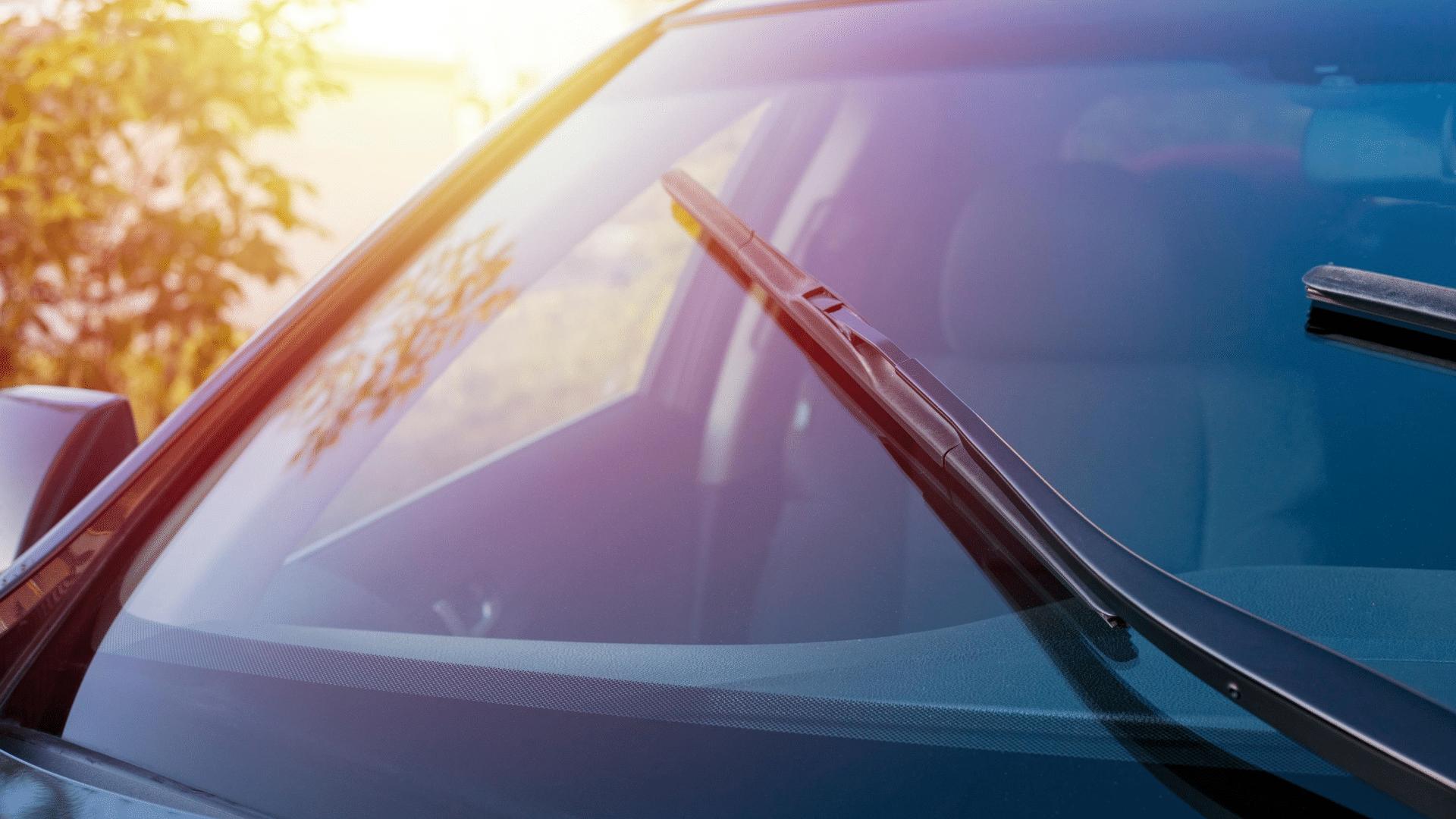 pare-brise athermique avec un soleil en arrière plan