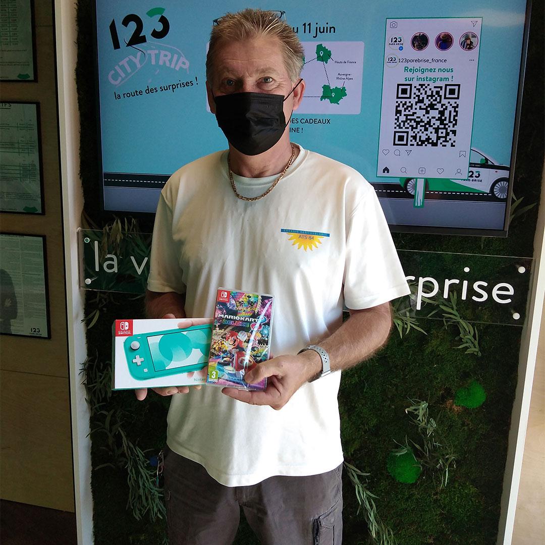 Notre Client 123 Pare-Brise reçoit son pack Nintendo Switch + Mario Kart