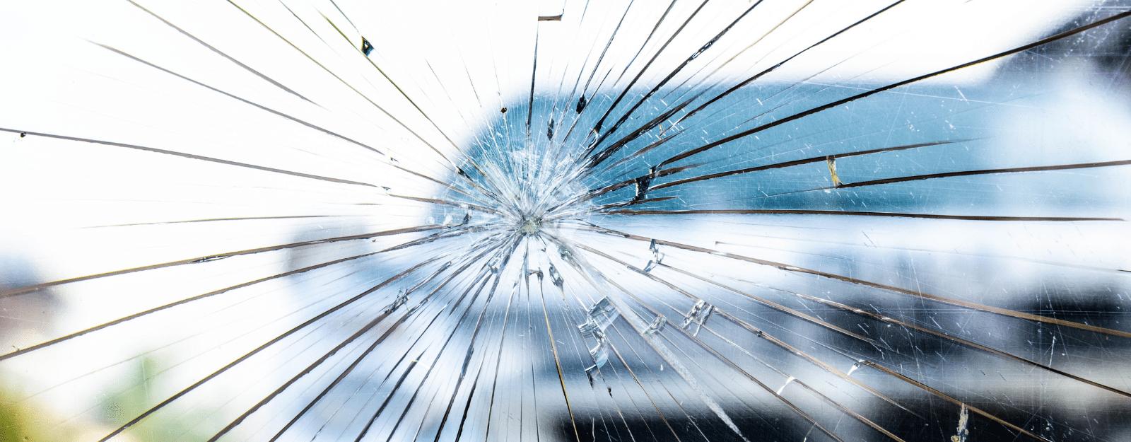 SwissLife assurance automobile : formules, franchise bris de glace et remboursement.