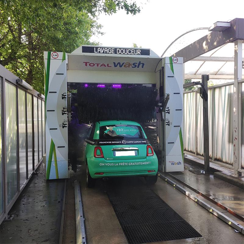 Les solutions écologiques pour laver sa voiture sans nuire à l'environnement.